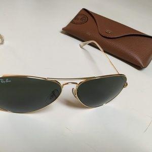 Like new! Ray-Ban Large Aviator Sunglasses RB3025